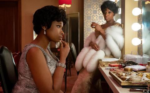 Jennifer Hudson en Mary J. Blige als Aretha Franklin en Dinah Washington in 'Respect'.