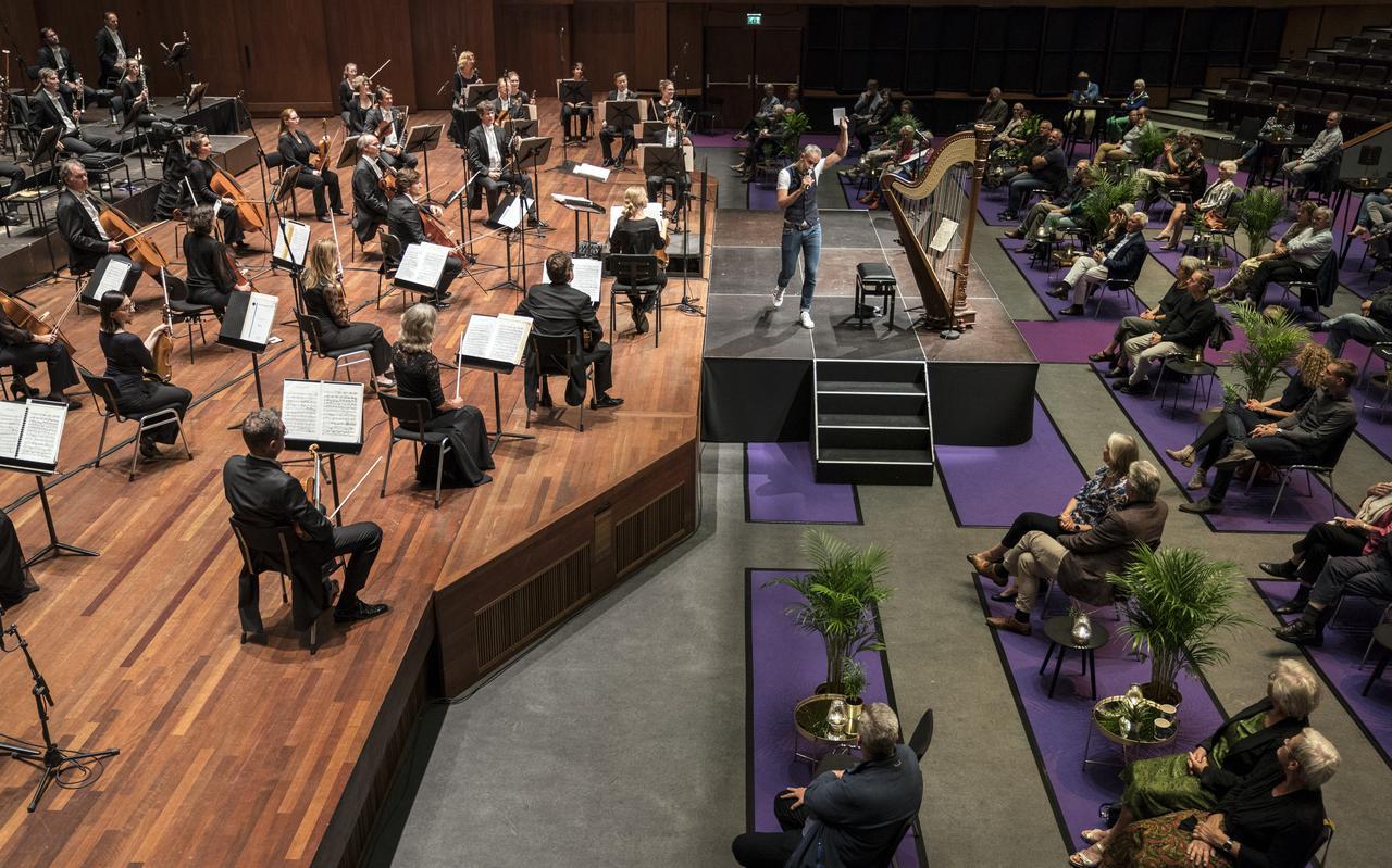 Het Noord Nederlands Orkest begin juli in De Oosterpoort, toen het voor het eerst in coronatijd optrad.