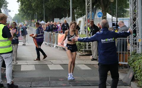 Hinke Schokker kwam afgelopen weekend als eerste over de finish.