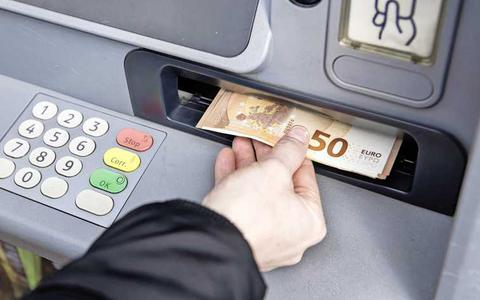 Geef nooit iemand je pincode, ook niet iemand die zegt van de bank te zijn.