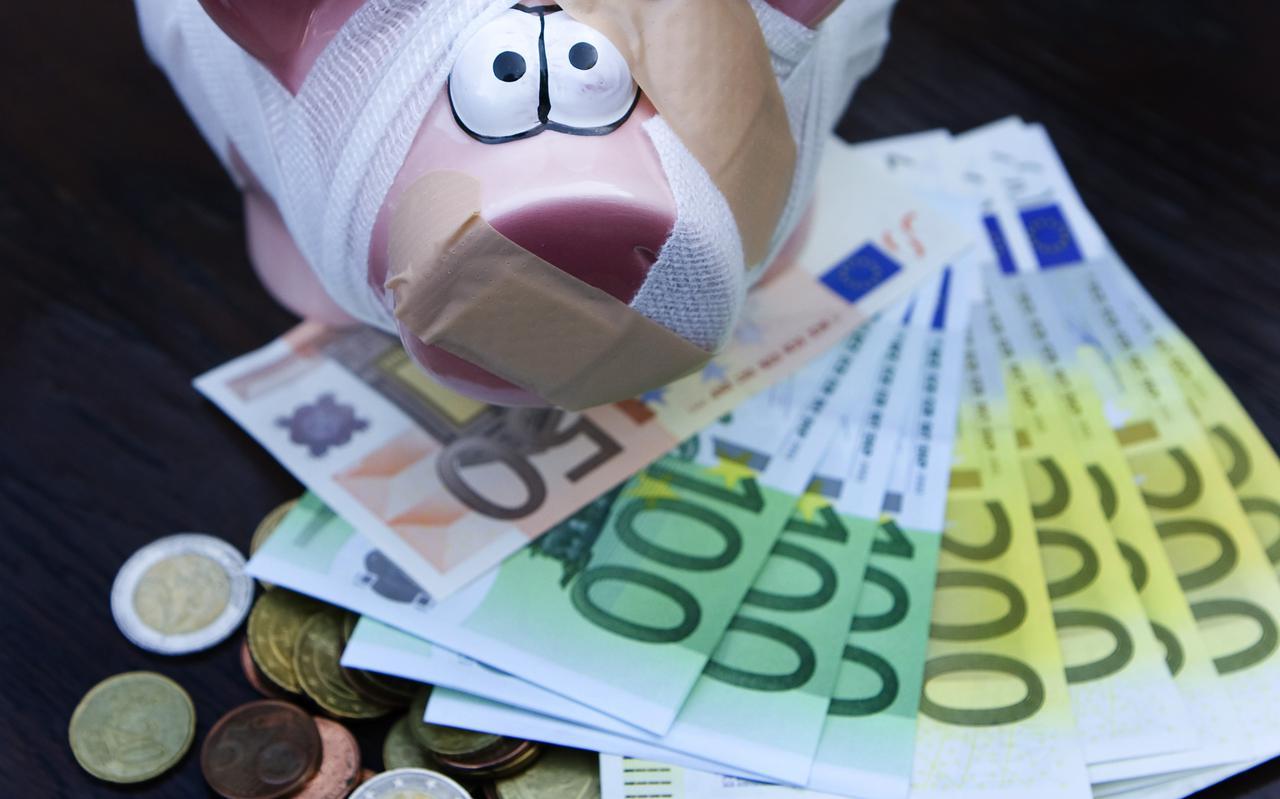 Sparen levert vrijwel niets meer op. Door de inflatie boeren spaarders zelfs achteruit.