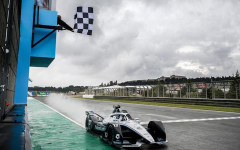 Spectaculaire zege Nyck de Vries in Formule E