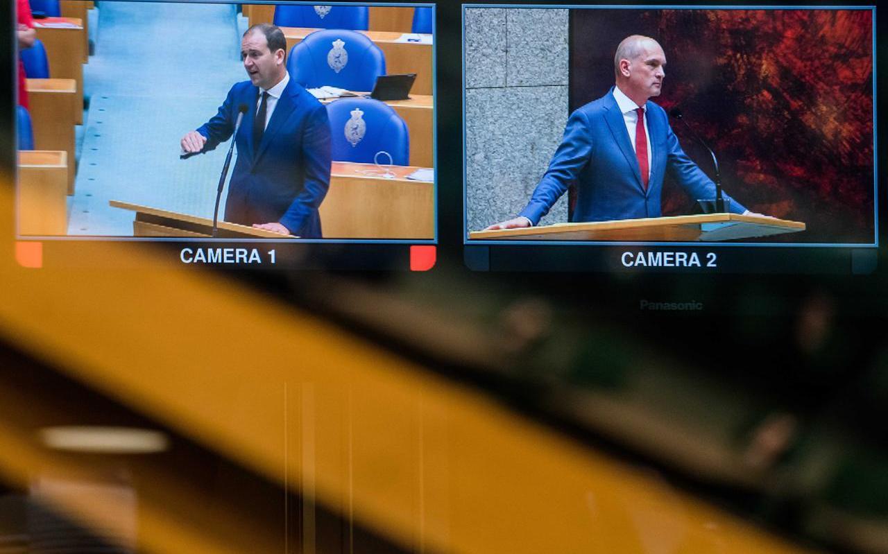 Lodewijk Asscher (PvdA) en Gert-Jan Segers (ChristenUnie) woensdagavond tijdens de eerste dag van de Algemene Politieke Beschouwingen, het debat na de troonrede op Prinsjesdag.