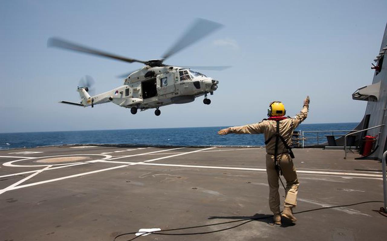 NH-90 trainde in 2014 vanaf de Zr. Mr. Evertsen tijdens de missie Ocean Shield in de Golf van Aden.