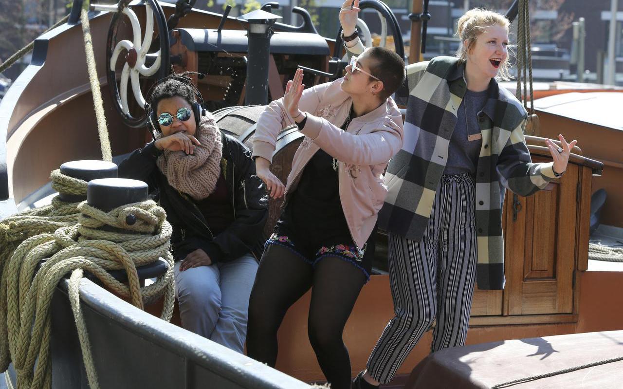 Michelle Samba, Jamila Faber en Esther de Jong. FOTO NIELS WESTRA