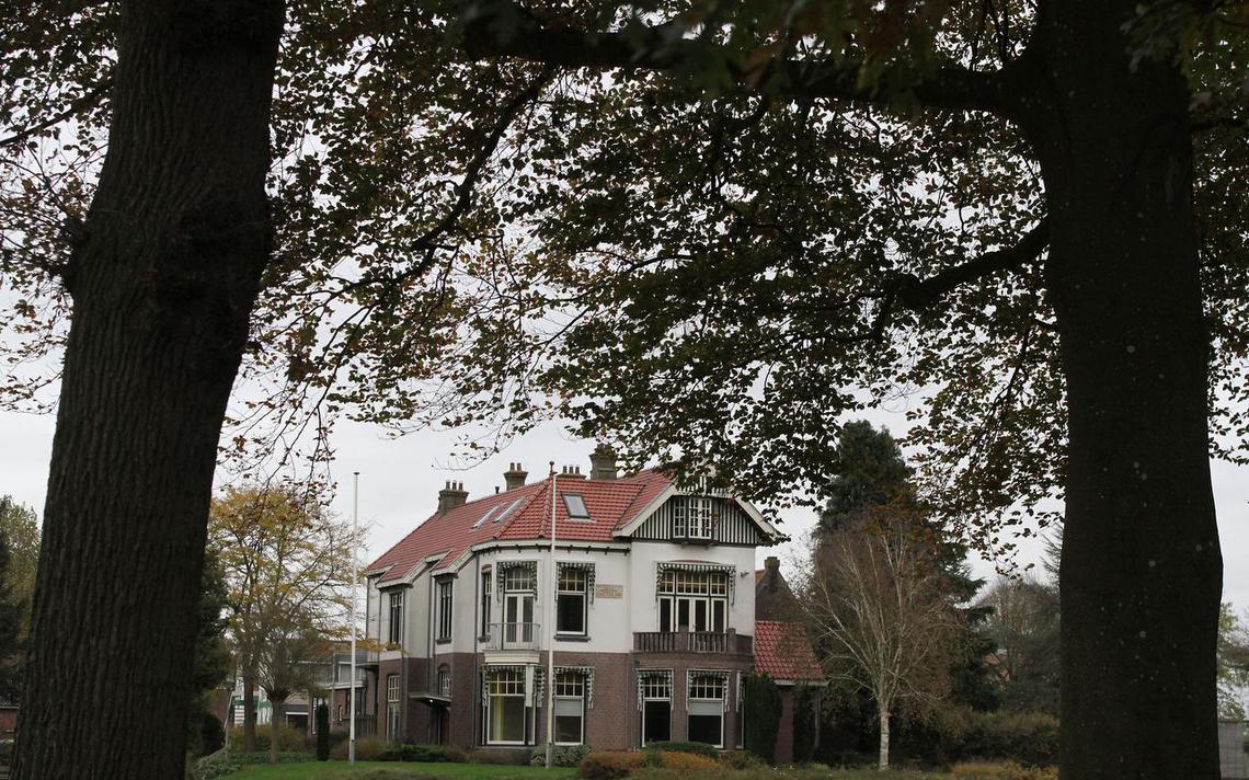 Hoe het plan om een villa te redden van het coa leidde tot grote onenigheid economie - Om een e b e bbinnenkap te creeren ...