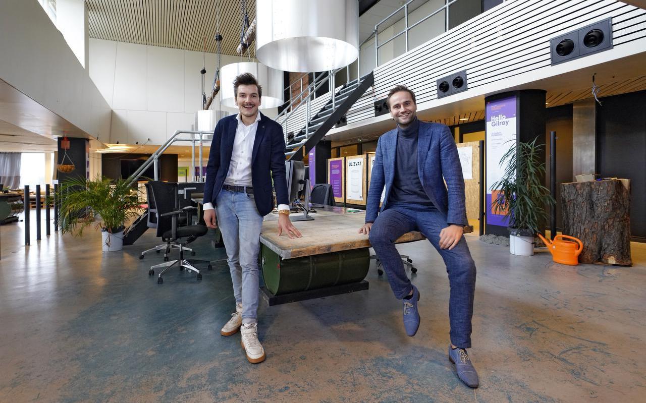 Links Bernd van Woerden en rechts Johan Schaap van het digitale leerbedrijf Brainstud.