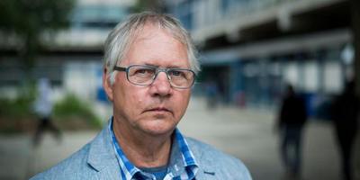 Henk Wolthof van het COA-Noord loopt tegen ingewikkelde zaken rondom de komst van azc's aan. FOTO JASPAR MOULIJN