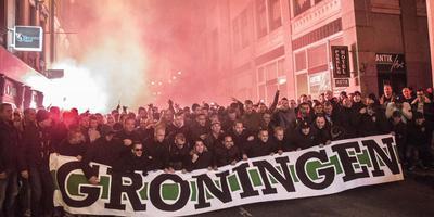 Fans van FC Groningen gingen in2015 in het Tsjechische Liberec in een corteo naar het stadion, waar hun club een Europese wedstrijd speelde. Foto DvhN/Archief