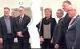 Het college van De Fryske Marren in december 2018. Van rechts naar links burgemeester Fred Veenstra en de wethouders Frans Veltman, Jos Boerland, Lucienne Boelsma, Durk Stoker en Durk Durksz. Tussen Stoker en Durksz fractievoorzitter Jan Volbeda van de FNP. FOTO LC