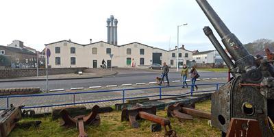 De loods van de betonningsdienst aan de Willem Barentszkade.
