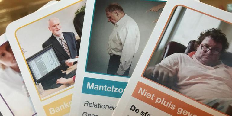 Met het ThuisPluis Kwartet, ontwikkeld door Oscar Balkenende, leren professionals ouderenmishandeling herkennen. FOTO LC