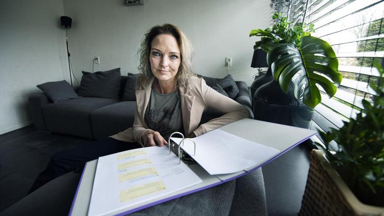 Anoeska de Vries leeft inmiddels ruim een jaar van 90 euro per week.
