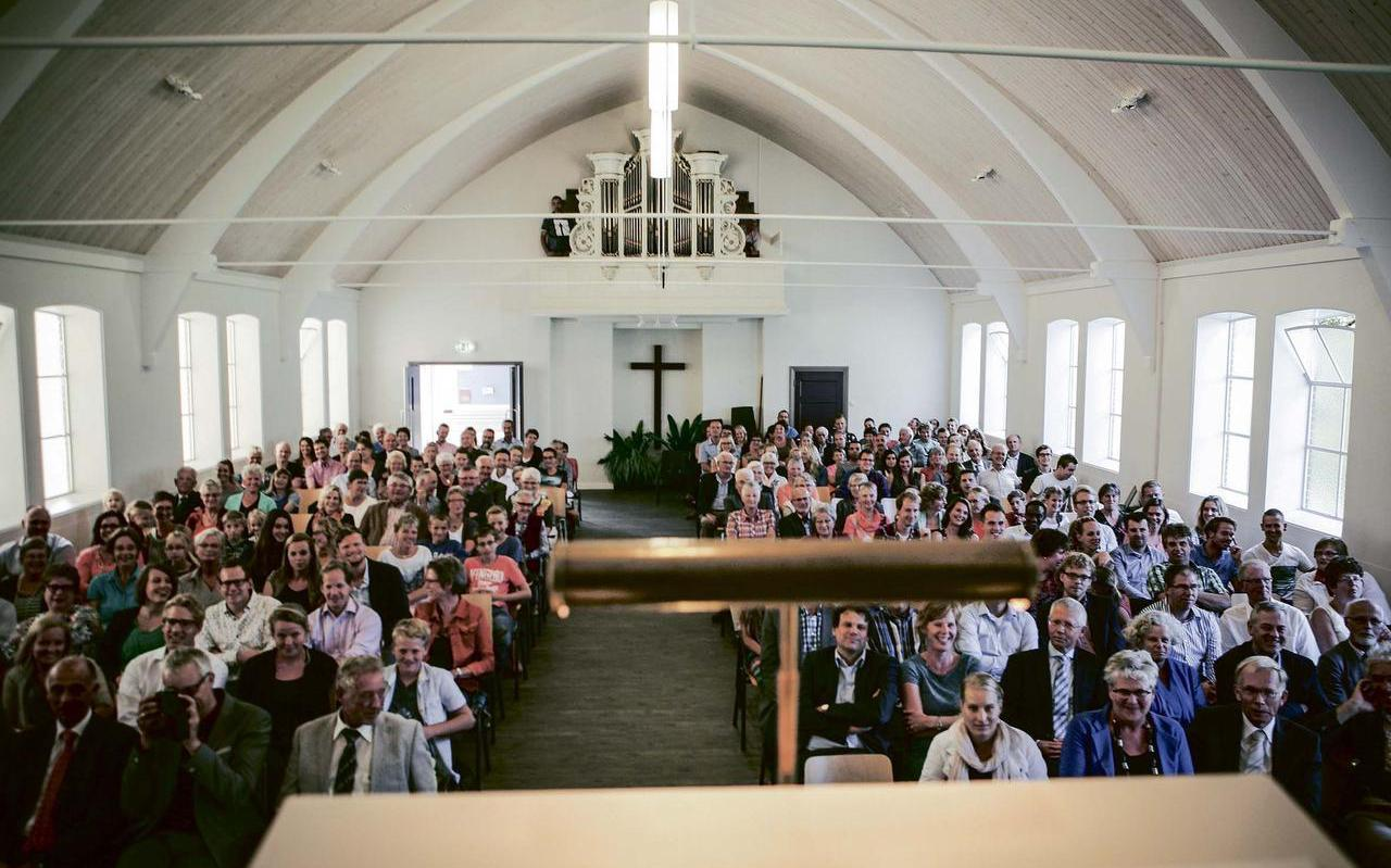 Intrededienst op 7 september 2014 in de Gereformeerde Kerk (vrijgemaakt) van Blije-Holwerd. FOTO MAARTEN BOERSEMA