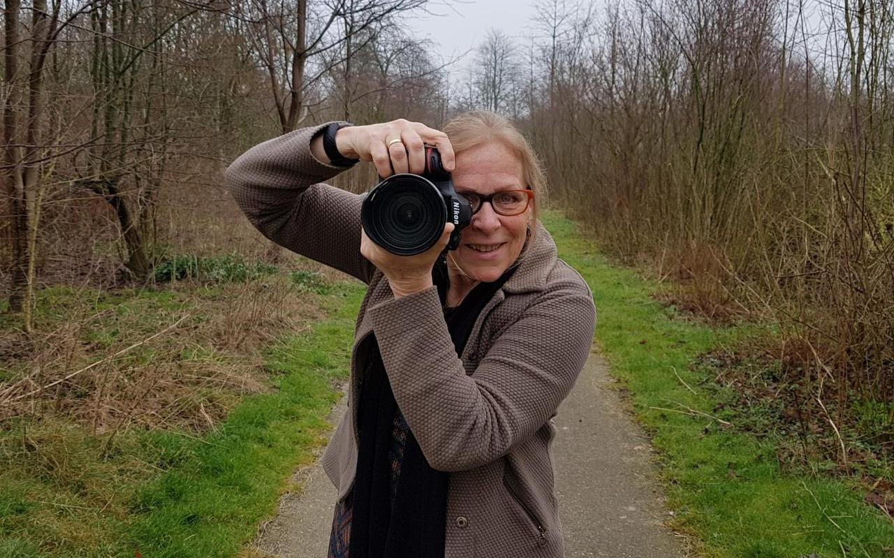 Afscheidsfotograaf Gerda Wesselius: ,,Een begrafenis is iets wat je niet wilt, maar ook niet wilt missen.'' FOTO LC