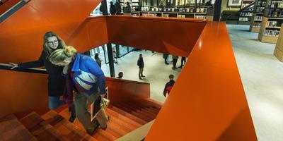 De nieuwe bibliotheek 'dbieb' in de Blokhuispoort in Leeuwarden. FOTO: MARCEL VAN KAMMEN