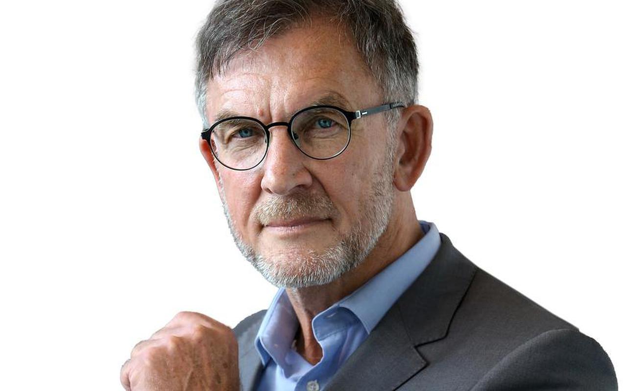 Bert Looper: 'De Fryske skriuwerswrâld hat te  min brûk makke fan 2018 en net genôch kânsen  sjoen om derop mei te liftsjen.''