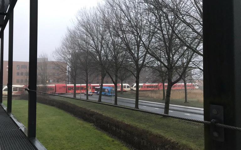 Lichtgewonde bij aanrijding op treinspoor in Leeuwarden.