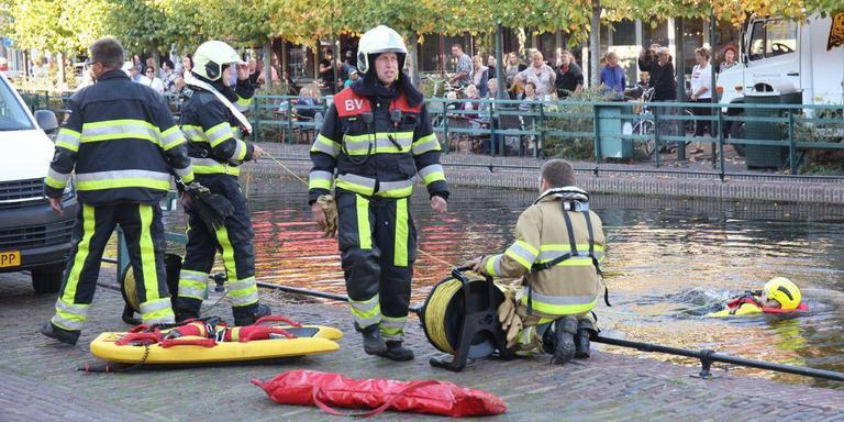 De brandweer in Gorredijk. FOTO VAN OOST MEDIA