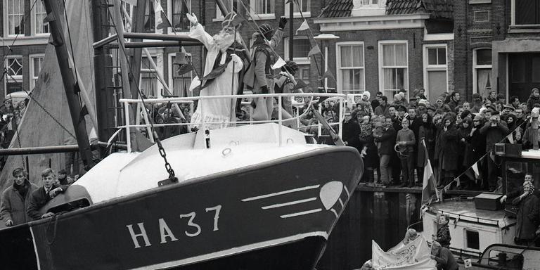 Intocht van Sinterklaas in Harlingen, 1966