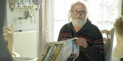 Johannes van Kammen uit De Westereen neemt na ongeveer 40 jaar afscheid van de maandelijkse krant De Westereender.