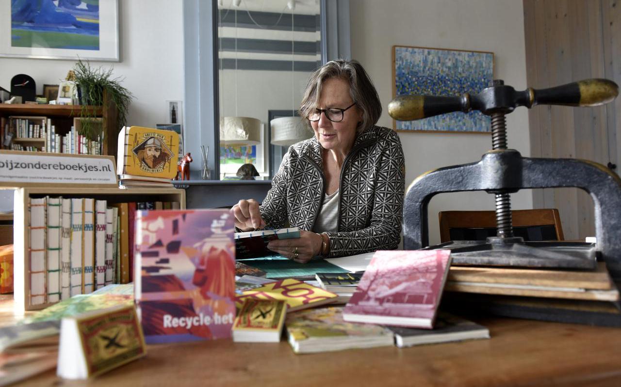 Trudie Labuschagne in haar werkkamer.