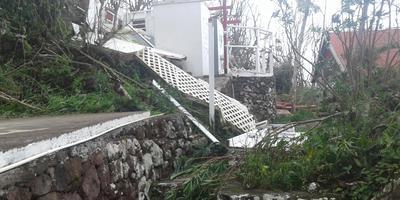 Twee huisjes van Bonnema zijn compleet verwoest.