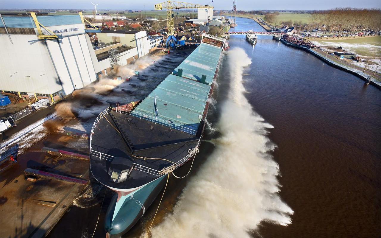 In 2015 werd in Stroobos het schip Marietje Nora te water gelaten.  FOTO MARCEL VAN KAMMEN