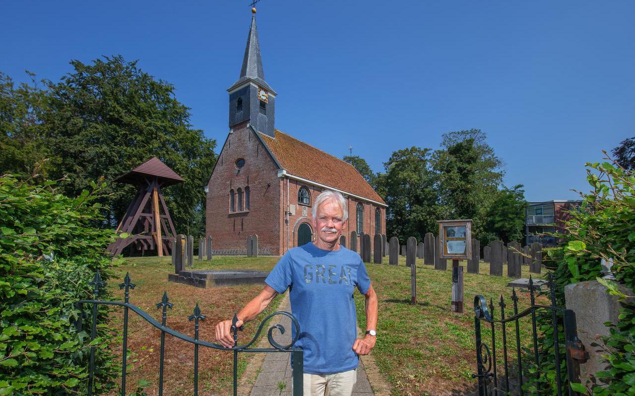Jan Russchen bij de Dorpskerk.