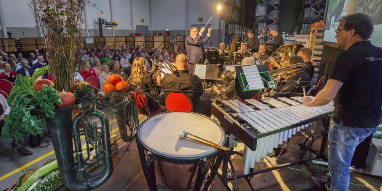 Het bodemcongres 'Symphony of Soils' in Oosterwolde had als doel om weer muziek in de bodem te krijgen. FOTO RENS HOOYENGA