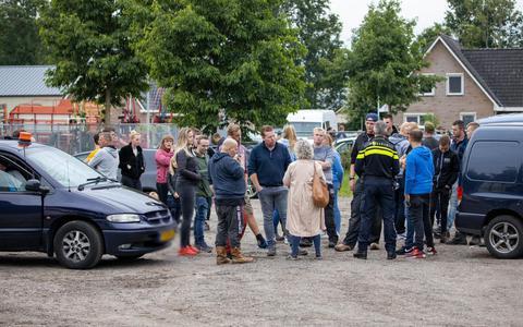 Tientallen boeren vanuit Tijnje naar samenkomst in Wijster: 'Waarom zijn wij eigenlijk nog boer?'