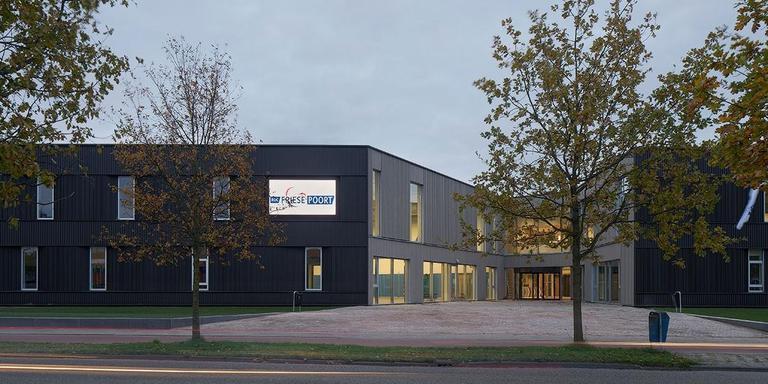 Nieuwbouw Uniformberoepen ROC Friese Poort, Leeuwarden. WAA Wind Architecten Adviseurs, Drachten. Projectarchitect: Harm Tigchelaar. Opdrachtgever: ROC Friese Poort. FOTO GERARD VAN BEEK