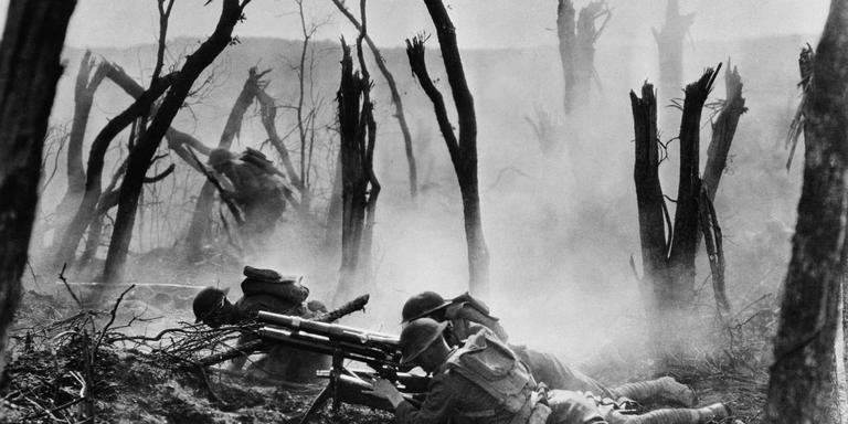 Amerikaanse soldaten rukken op tijdens de Slag bij de Marne in de zomer van 1918.