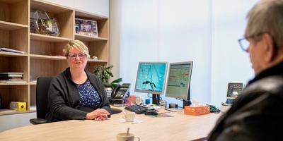 Huisarts Renate van der Meulen wil weer een overzichtelijke praktijk voor zichzelf beginnen. In Leeuwarden was daar geen behoefte aan, kreeg ze te horen. FOTO JILMER POSTMA