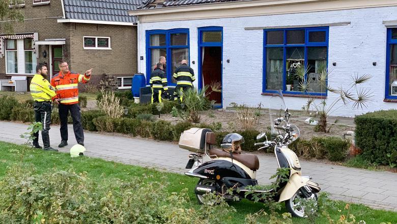 De brandweer rukte gisteravond uit, omdat de woning aan Het Meer op instorten stond.