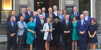 De Friese delegatie die aanwezig was bij Prinsjesdag. FOTO LC