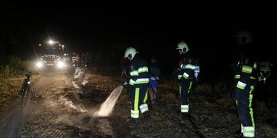 Natuurbrand in Feanwâlden. FOTO DE VRIES MEDIA
