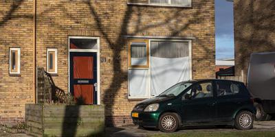 In de Geert Veenhuizenstraat in Sint Jacobiparochie worden woningen verhuurd aan arbeidsmigranten. FOTO JAN SPOELSTRA