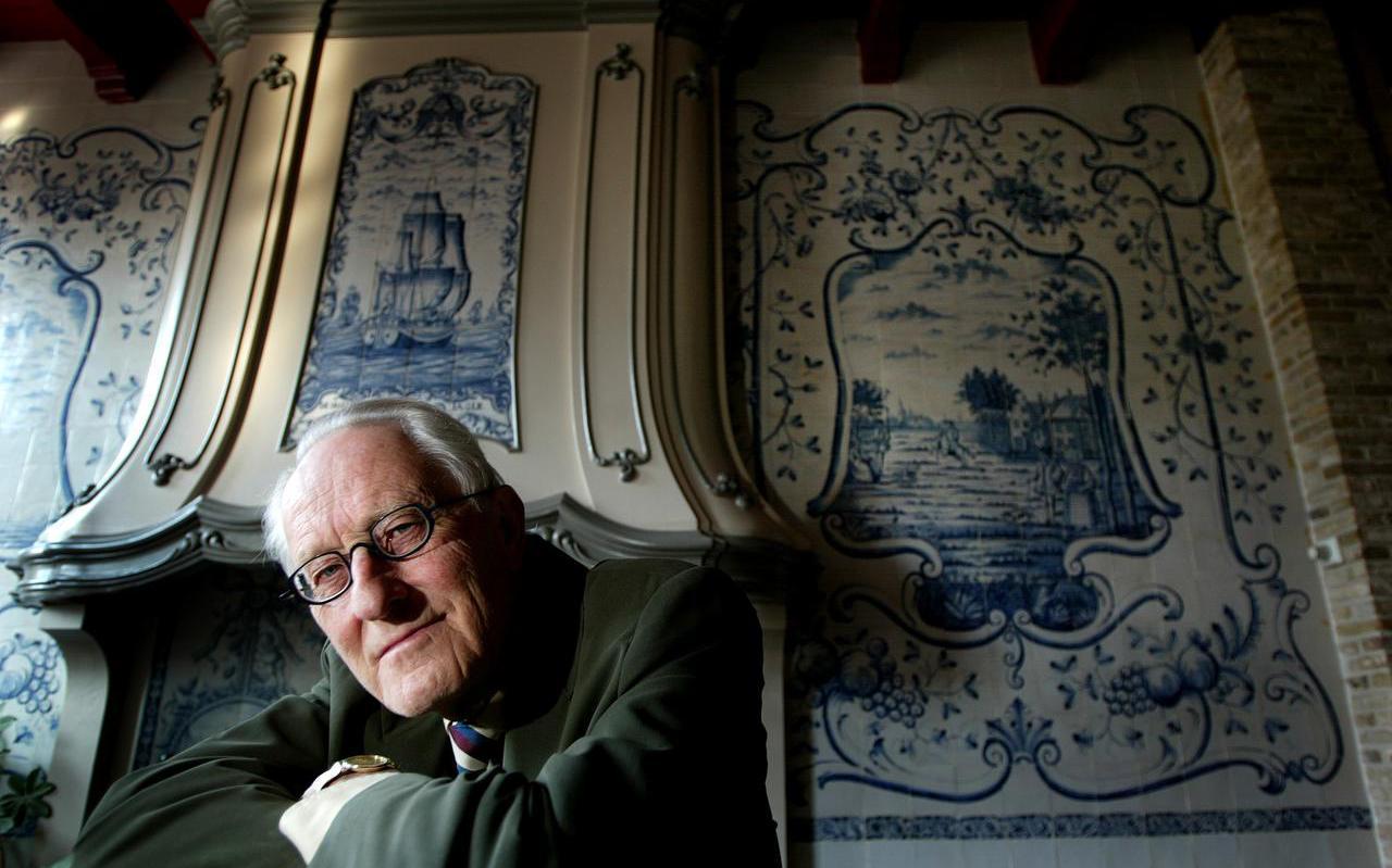 Pieter Jan Tichelaar in 2004, het jaar waarin hij promoveerde op zijn onderzoek naar Makkumer aardewerk.