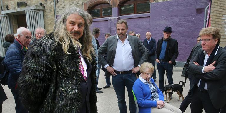 Vijftigste Leeuwarder Poëziesteen Sonnet Over De Hoofdstad