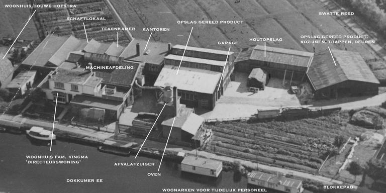 De timmerfabriek aan de Oldegalileën rond 1950 met de functies van de gebouwen. De fabriek werd begin jaren tachtig afgebroken om plaats te maken voor de Vrijheidswijk. Op deze plek ligt nu de Christiaan Kerkhofstraat.