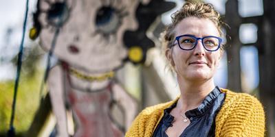 Schrijver/uitgever Janneke de Boer. ,,Der moatte mear Fryske berneboeken komme.'' FOTO HOGE NOORDEN/JACOB VAN ESSEN