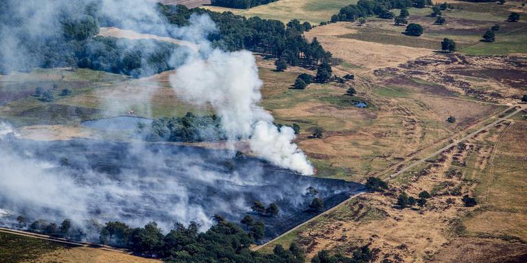 De brand bij Wateren. FOTO ANP