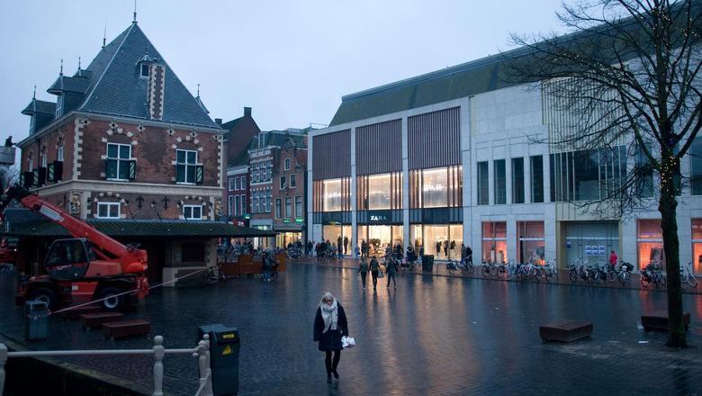 Het voormalige pand van V&D in Leeuwarden, waar nu de Zara deels is gehuisvest.