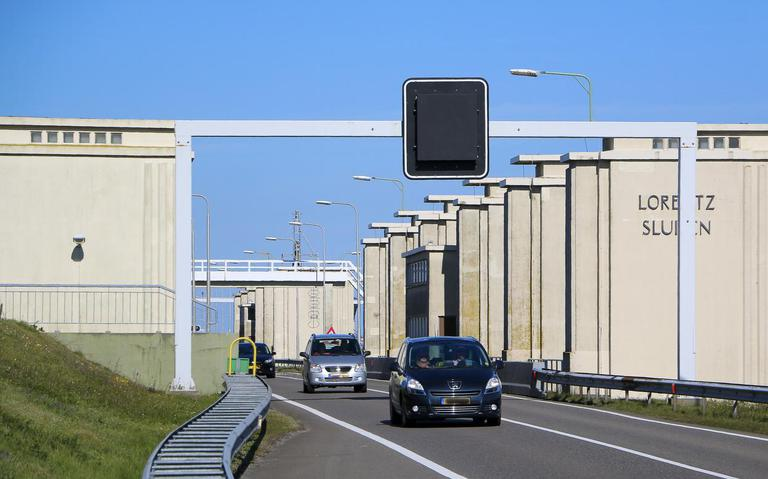 Afsluitdijk in de richting Den Helder weer helemaal open na ongeval.