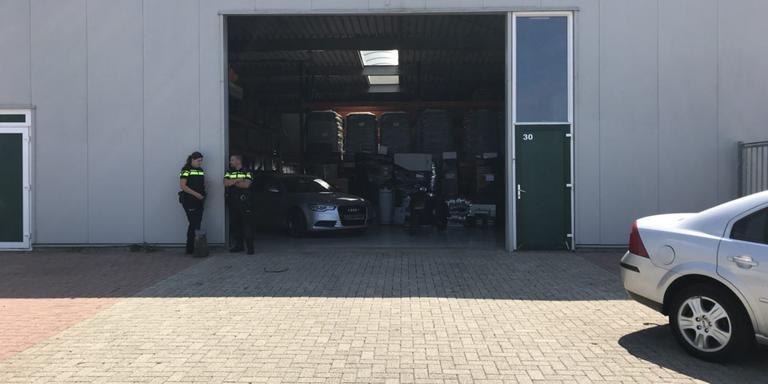 De politie viel onder meer in dit pand aan de Ceresweg binnen. FOTO LC/STEF ALTENA