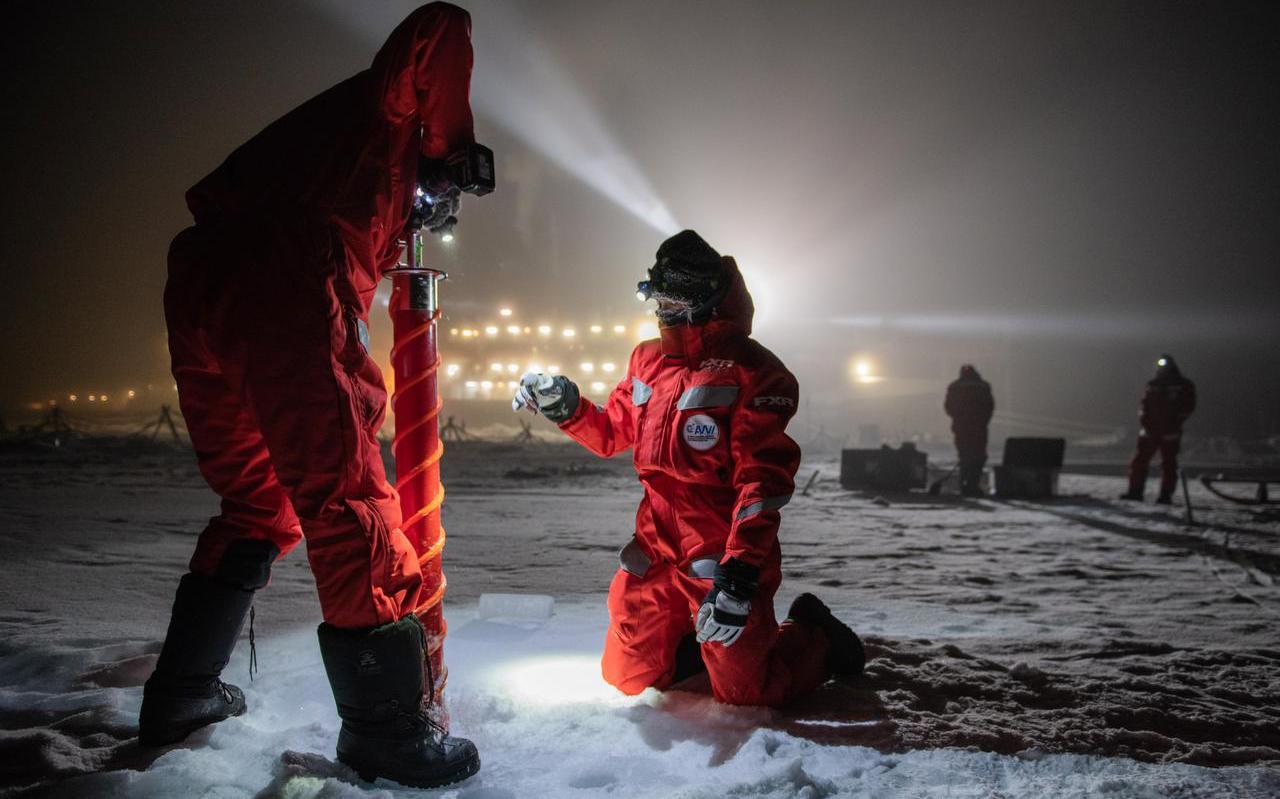 Meer dan 125 jaar geleden liet de Noorse poolreiziger Fridtjof Nansen zich met een schip invriezen in het poolijs. Deelnemers aan de wetenschappelijke Mosaic-expeditie hebben het hem nu nagedaan.