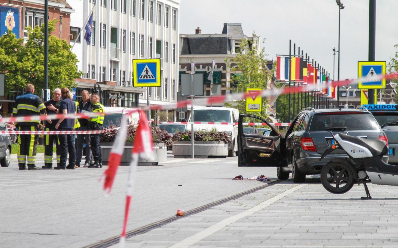 De plek waar het steekincident plaatsvond, bij het station in Leeuwarden.