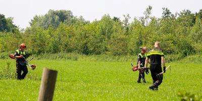 Onderzoek op de plaats delict in De Westereen. FOTO LC/ARODI BUITENWERF