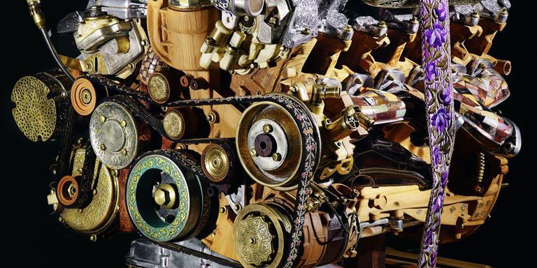 De 'ambachtelijke V12-motor' die in 2013 de aandacht trok op de Biënnale van Marrakech. FOTO FRIES MUSEUM
